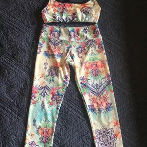 ONZIE s/m cropped leggings and bra set. YOGA
